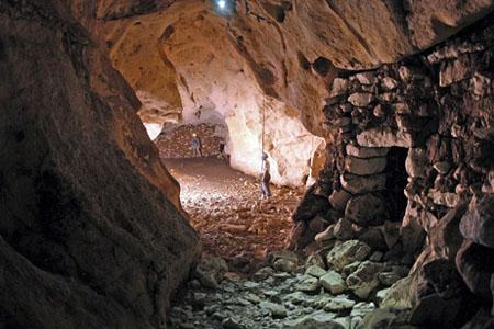 Что ищут в подземных лабиринтах?